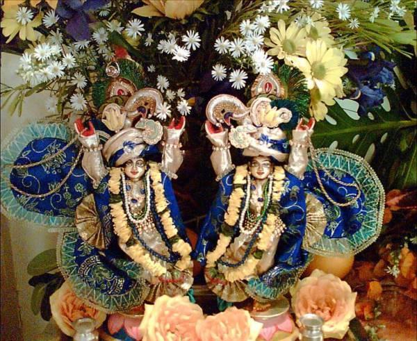 Sri Sri Nitai Mayapur Chandra