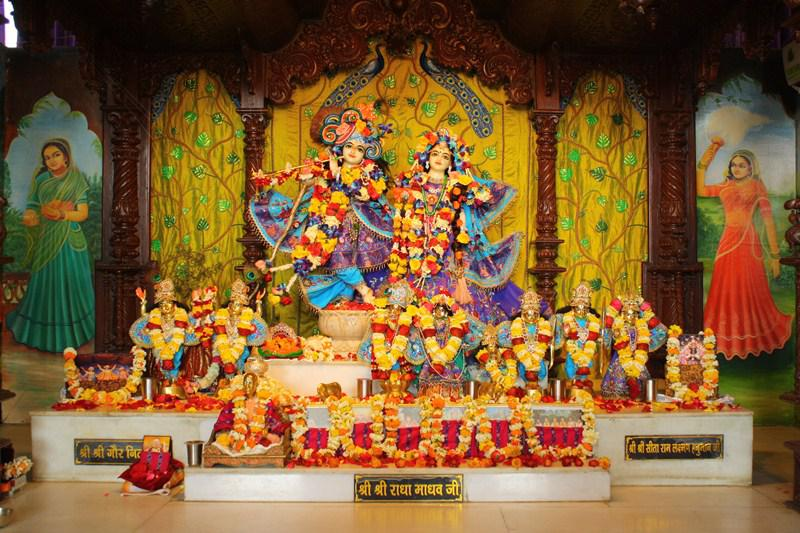 iskcon Kanpur Main Altar