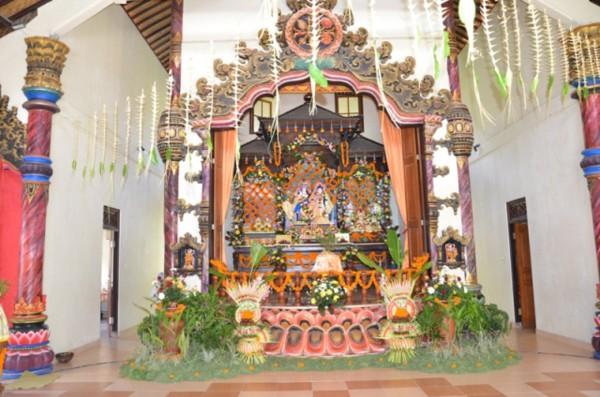 ISKCON Mengwi Main Altar