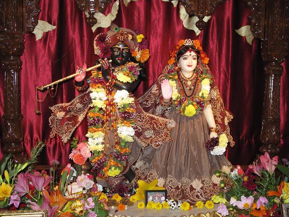 Sri Sri Radha Golokananda